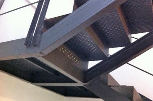 Inoxmetal vargas escaleras de hierro for Como hacer escaleras de fierro