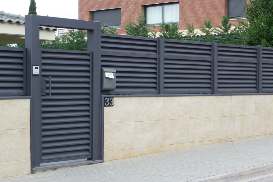 Inoxmetal vargas puertas de entrada de hierro for Puertas de entrada de hierro